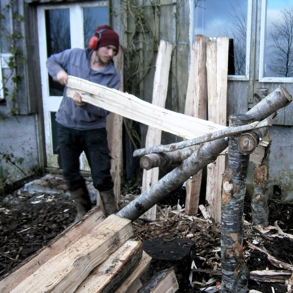 Tim cleaving sweet chestnut for hurdles